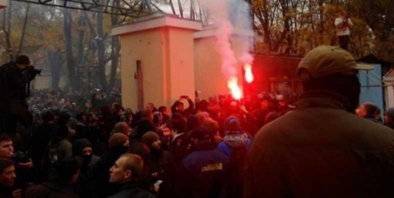 Активисты задерживали авто с российскими номерами: В Одессе люди устроили акцию протеста