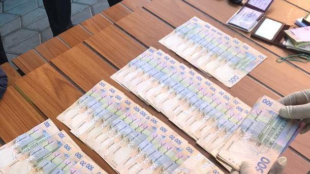 В Сумской области разоблачено на взятке влиятельного чиновника