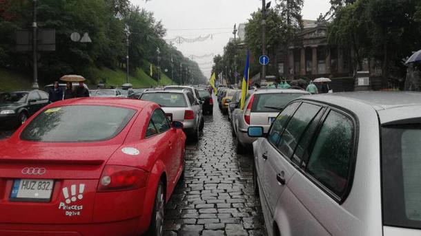 Сегодня «Евробляхеры» перекроют дороги по всей Украине: где не получится проехать
