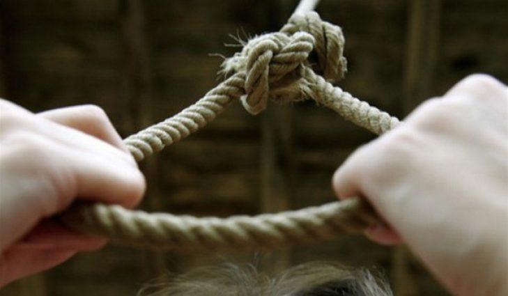 Не выдержала развод: В Киеве молодая женщина покончила жизнь самоубийством на  глазах у ребенка