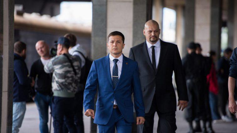 Появились билборды с намеком на кандидата Зеленского: украинцы ошалешени