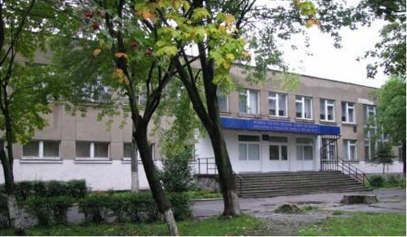» Он болен и заразен » Скандал вокруг школы во Львове не утихает