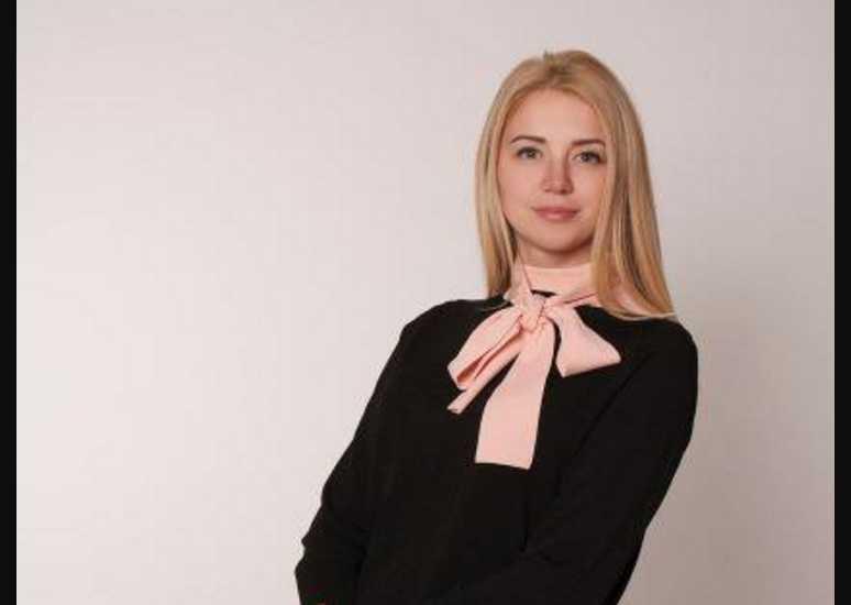 Горбунов и Осадчая и шампанское за 2000 гривен: молодая депутат с размахом отгуляла День рождения