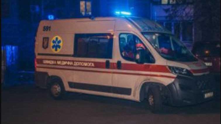 Умерла мгновенно: женщина пришла в гости и выбросилась с 9-го этажа