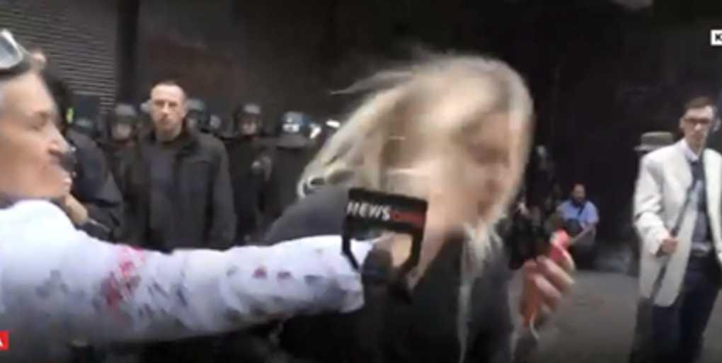 Радикалы напали на журналистку в прямом эфире: первые подробности инцидента