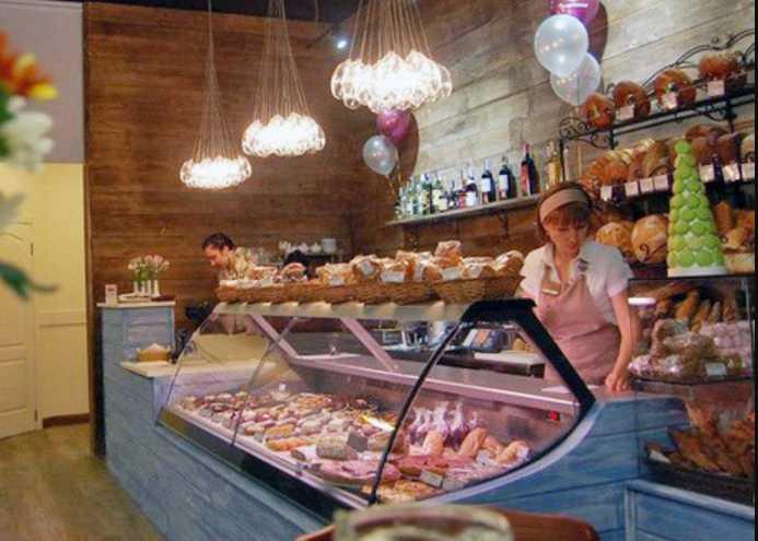 Повесился? В Киеве находка в известной пекарни ошеломила посетителей