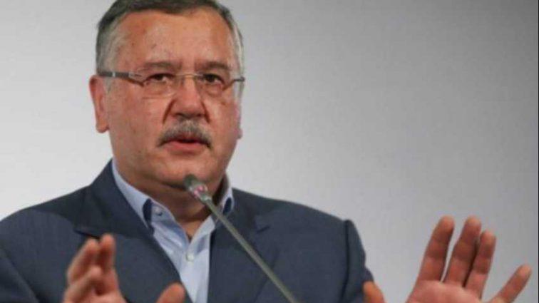 «Публично покаяться и застрелиться»: Нардеп разоблачил Гриценко в провокации и предложил ему покончить с жизнью
