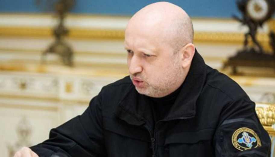 » Россия готовится к вторжению »: Турчинов выступил с предупреждением
