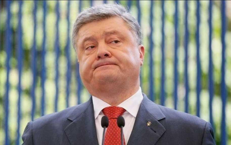 «Ему не на второй срок, а на «гильотину!»: Блогер описал, во что превратил Порошенко Украину