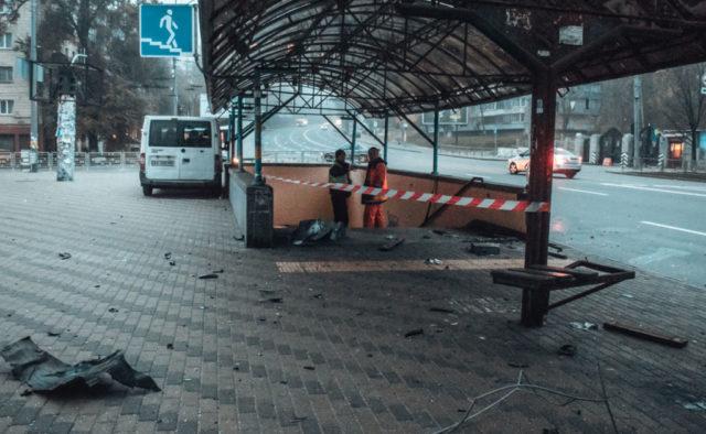 Авто на большой скорости влетело в подземный переход в Киеве: первые подробности жуткого ДТП