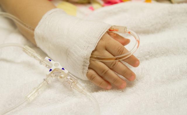 «Вычитала в интернете» и не слушала врачей: Из-за халатности матери под Киевом малыш подхватил смертельную инфекцию