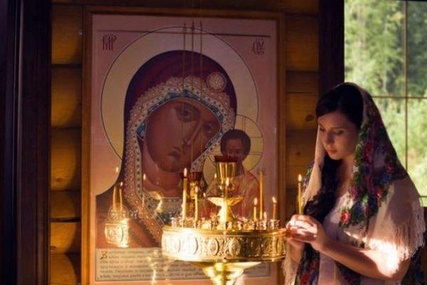 В Украине отмечают большой церковный праздник: чем оно особенно для женщин и чего нельзя делать в этот день