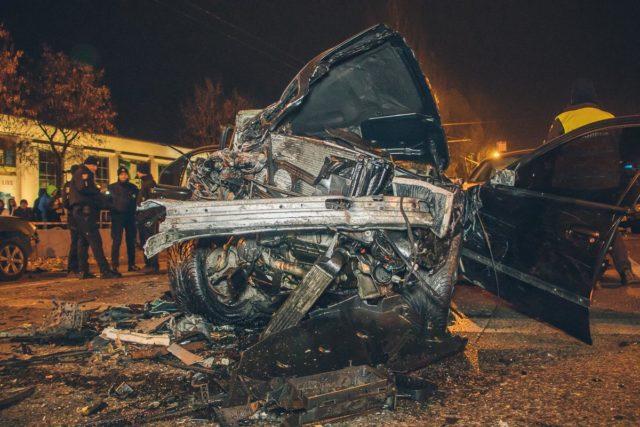 От машин осталась груда металла: Масштабное ДТП потрясла Днепр
