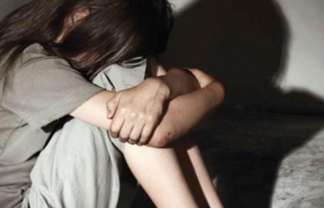 Сам насиловал и позволял за деньги друзьям: Под Киевом родной отец жестоко издевался с несовершеннолетних дочерей