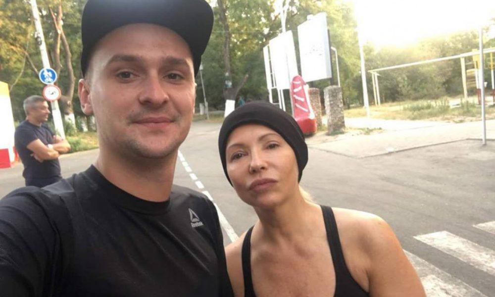 Еще и артистка: На митингах Тимошенко начала петь с Пономаревым — фотофакт