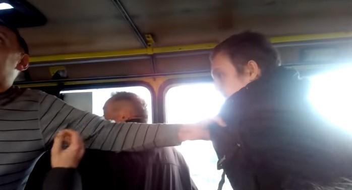 » Ты убл ** ок »: Во Львове «сумасшедший» водитель маршрутки набросился на школьника