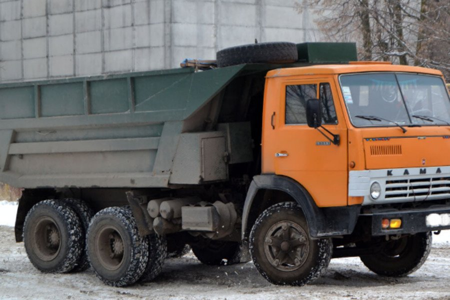 Роковая ДТП под Запорожьем: КамАЗ сбил школьников и скрылся