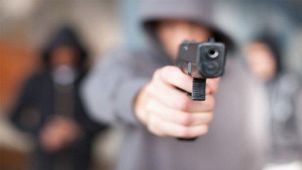 Мужчина устроил стрельбу из-за ревности, сразу три жертвы: первые подробности