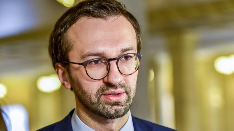 Берите пример с Филарета! Лещенко призвал Порошенко уйти в отставку