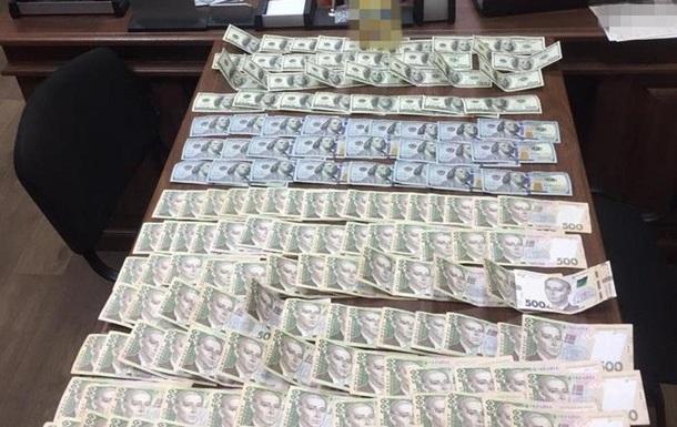 Требовал 50 тысяч гривен: в Одесской области на взятке задержали руководителя военкома