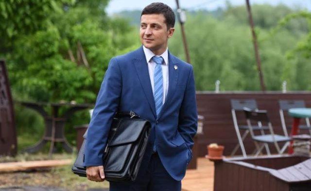 «Скоро перегонит Тимошенко»: Зеленский остается одним из фаворитов президентской гонки, появились новые данные всеукраинского опроса
