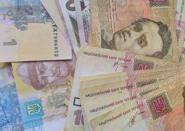 Цена в платежках вырастет почти вдвое: Для украинцев приготовили новые сюрпризы под елку