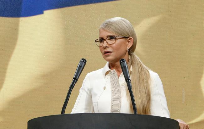 Ведущие разнесли Тимошенко своими вопросами о России в прямом эфире. Леди Ю стало плохо!