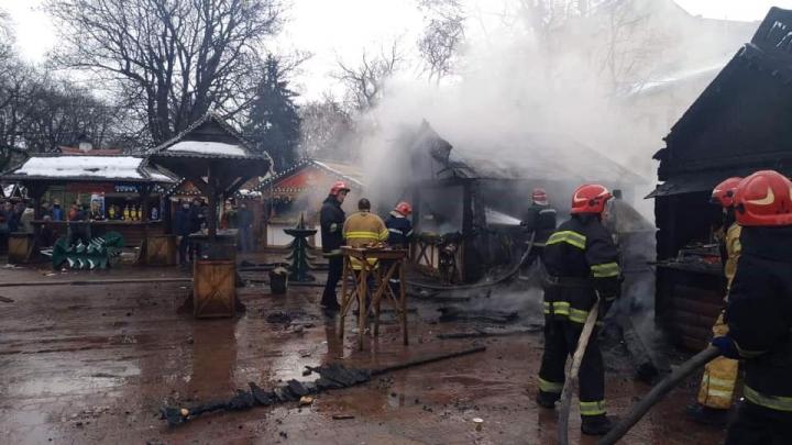Двое в реанимации и двое в ожоговом отделении: Появились подробности о пострадавших от взрыва на Рождественской ярмарке во Львове