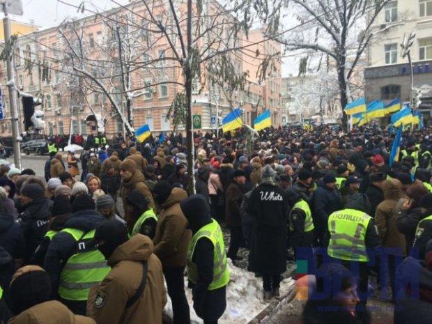 Объединительный Собор: в центр Киева стягивают людей, полиция проводит обыски