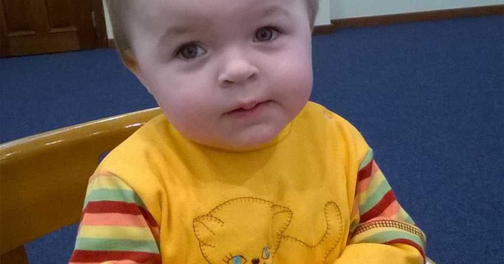 Девочка в свои 3 годика до сих пор не умеет ходить: помогите маленькой Насти выздороветь