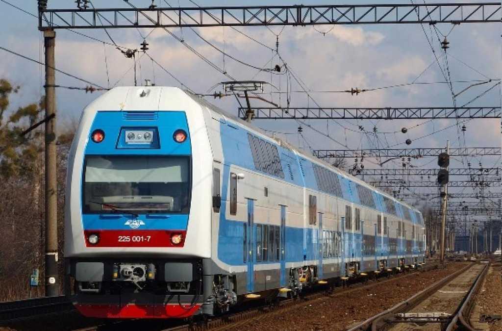 Уже с 2019 года: Укрзализныця повысит цены на билеты на 25%