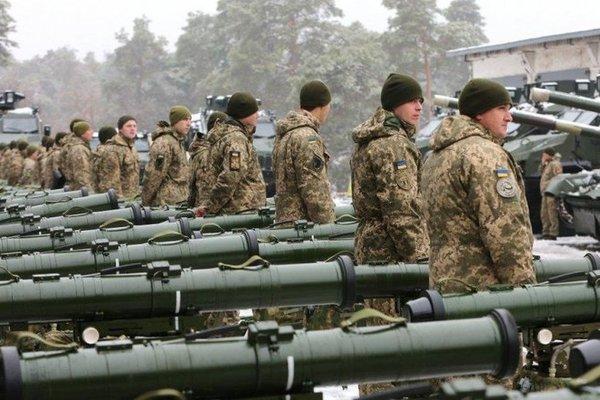 В Украине созывают большое военное заседания: у Порошенко дали комментарий