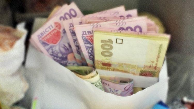 Повышение пенсий на 62 гривны, резкий рост тарифов на отопление и старт выборов президента: Что ждет украинцев уже в декабре