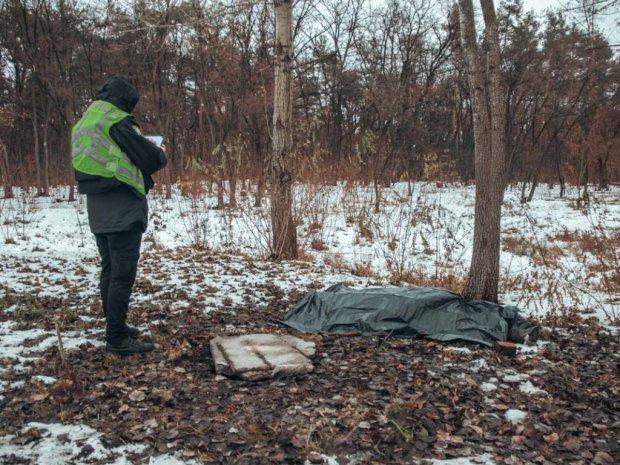 Тело лежало на обочине: Смертельное ДТП перед новым годом ошеломила Украину