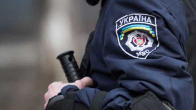 Несмотря на жену и 6-летнюю дочь: мужчина под действием наркотиков устроил гонки с полицией