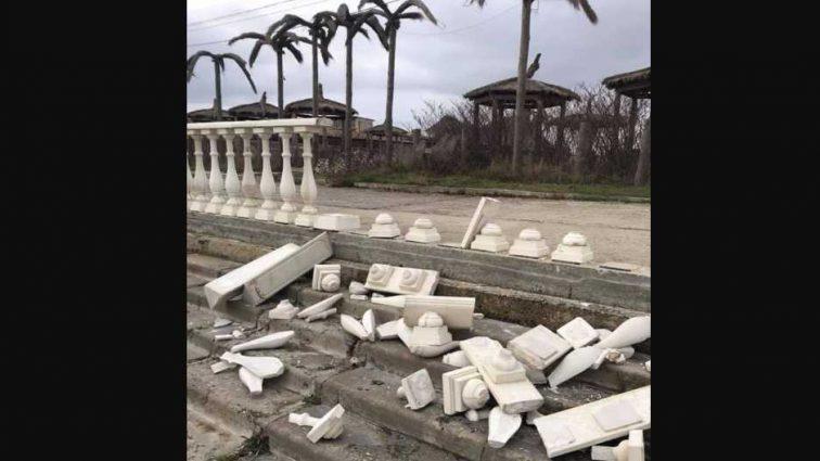 » Все заср * но! »: Блогер показал фото известного курорта Крыма