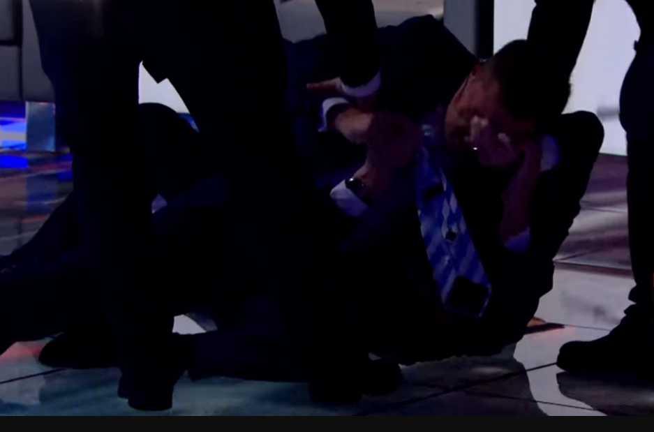 » Убью тебя, бл * дь! »: Соратник Ляшко устроил жестокую драку в прямом эфире