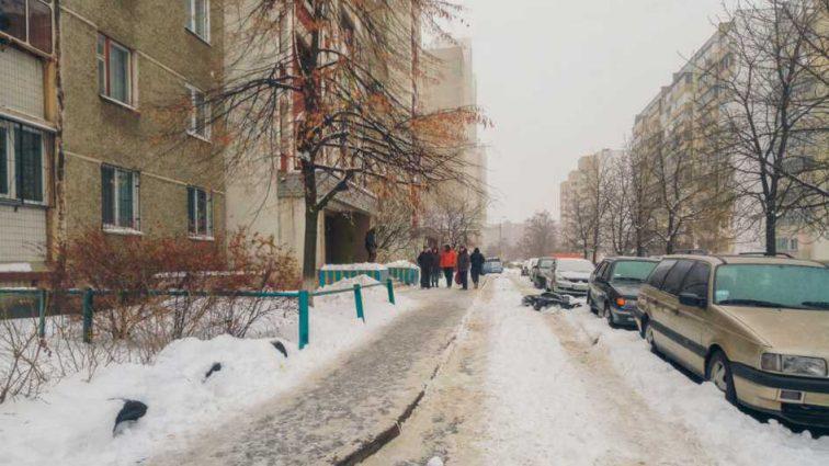 Из-за травли на работе: в Киеве мужчина покончил с жизнью, выпрыгнув с 14 этажа