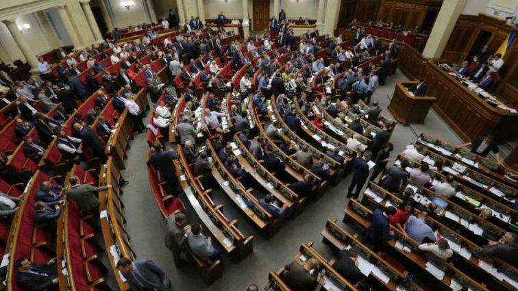 «Это мертвая норма»: Эксперт раскритиковал скандальный закон о санкциях против СМИ