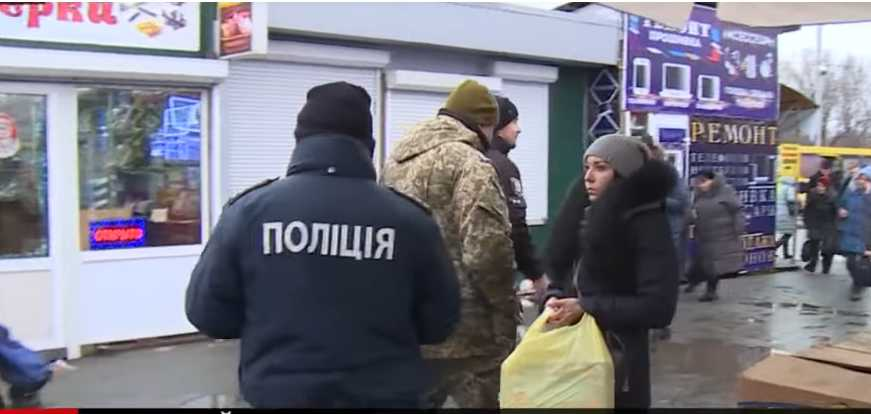 Мобилизация в Киеве: показали видео странных рейдов военных с полицией