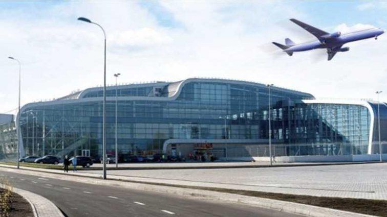 Что происходит? Из аэропорта Львова в срочном порядке эвакуировали 300 пассажиров