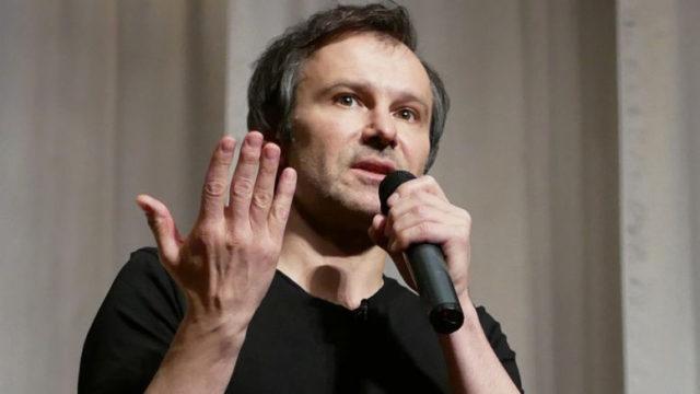 «Эту войну режиссируют»: Вакарчук с мощным заявлением обратился к украинцам