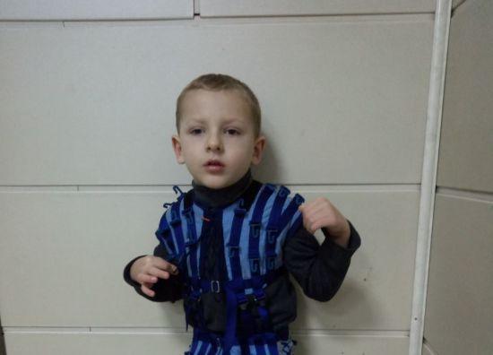 Ребенку нужна реабилитация: станьте Николаем для маленького Станиславчика