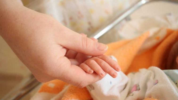 Пока мать занималась своими делами: 4-летний малыш наглотался таблеток