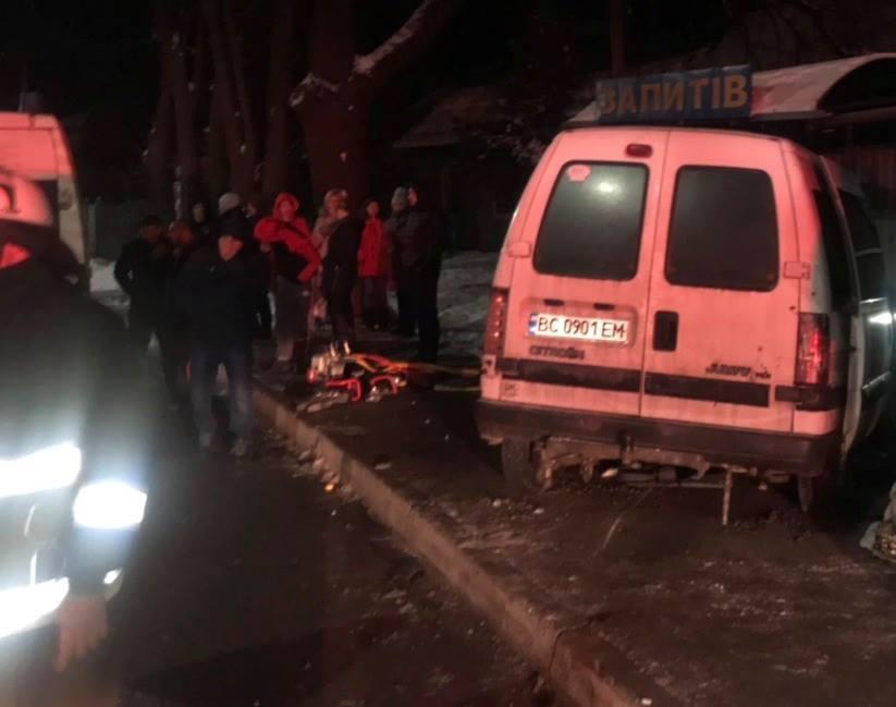 Роковая ДТП на Львовщине: грузовик на большой скорости столкнулся с легковушкой, есть жертвы