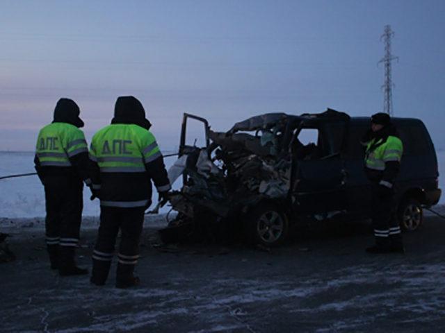 Автобус с юным спортсменами влетел в КамАЗ: первые подробности трагедии