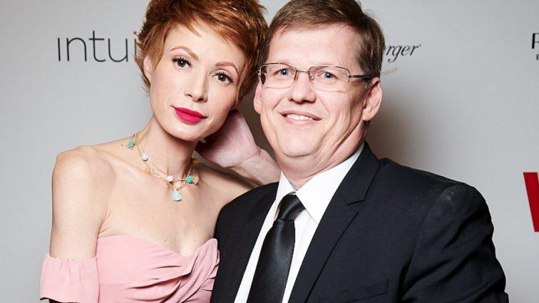 Когда свадьба? Известная телеведущая показала, как развлекается с Розенко