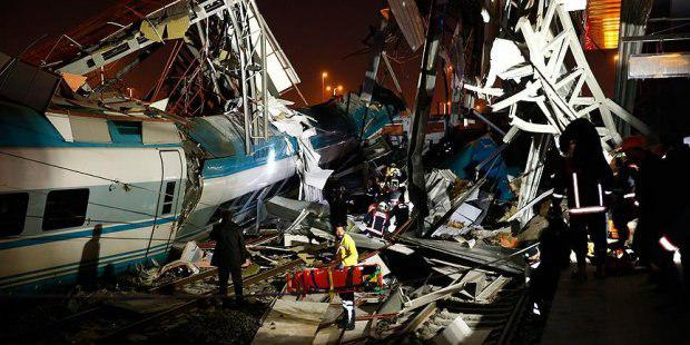 Людей достают из-под обломков, много погибших: Сошел с рельсов скоростной поезд, первые подробности трагедии