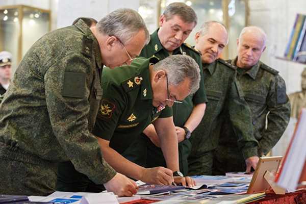 На пороге войны? В Москве созван оперативный сбор военного командования