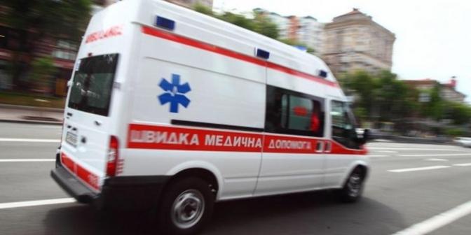 «Летел на красный»: Военный автобус протаранил легковушку в центре Киева